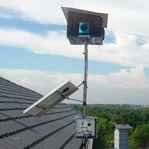 Dźwiękowo-ultradźwiękowy odstraszacz ptaków na dachu